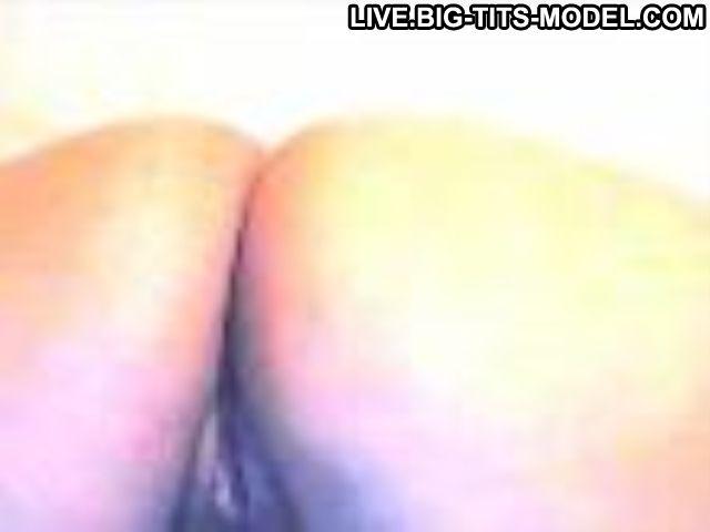 Sarahlatina Uruguayan Black Eyes Latina Posing Hot Slut Live