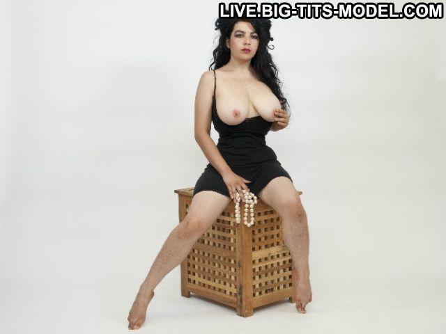 Belledejour69 Croatian Xxx Posing Hot In Free Chat Curvy Hot