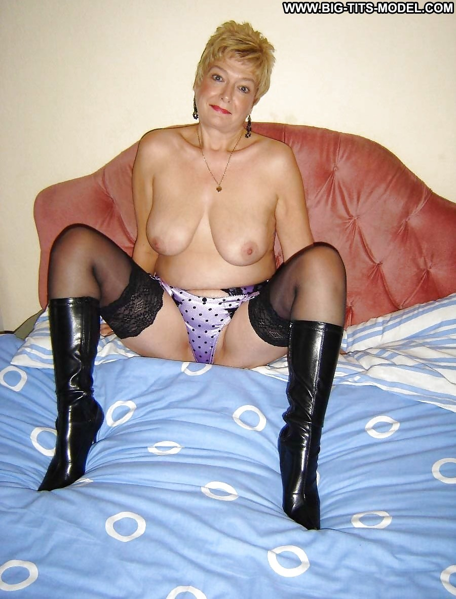 Big Tit Mature Stockings