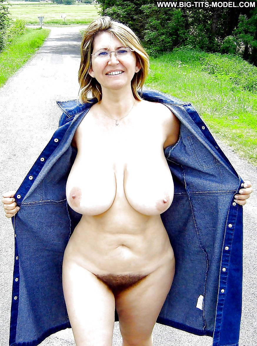 Mature big tits amateurs knows