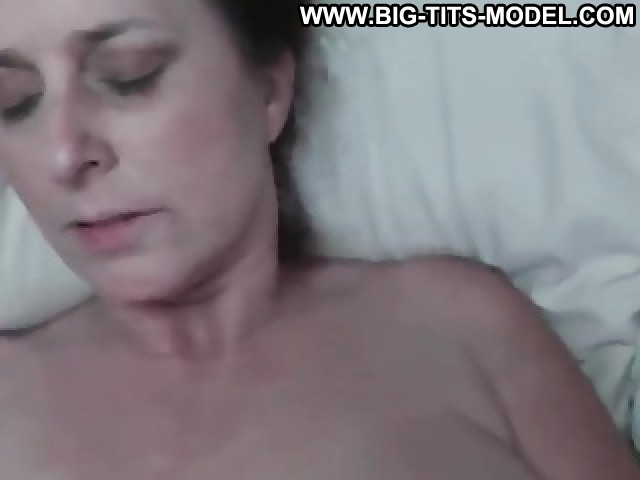 Idell Video Big Butts Big Tits Couple Amateur Boat Bed Movie Big
