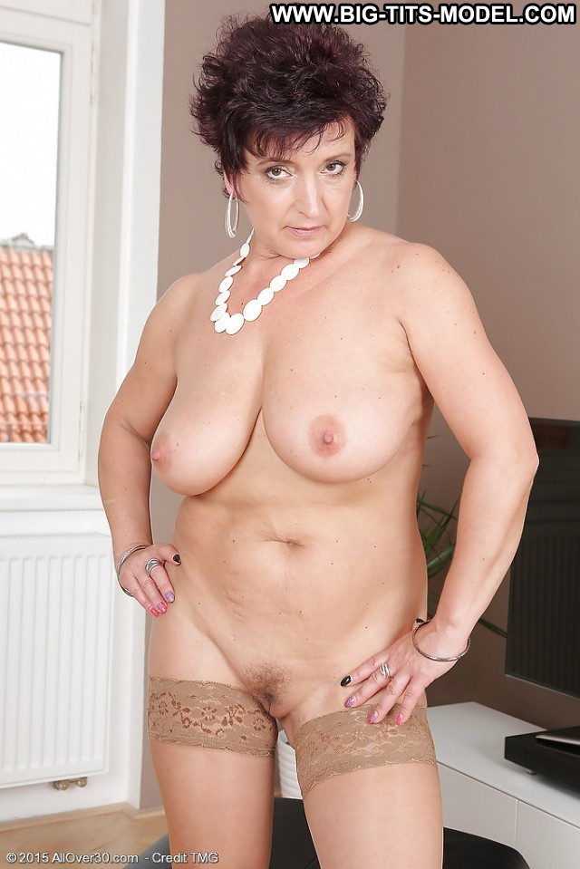 Claire Private Pictures Gorgeous Big Boobs Granny Boobs Hot Mature