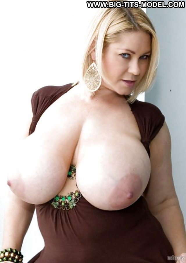 Lilla Private Pictures Big Boobs Big Tits Flashing Busty Hot Boobs